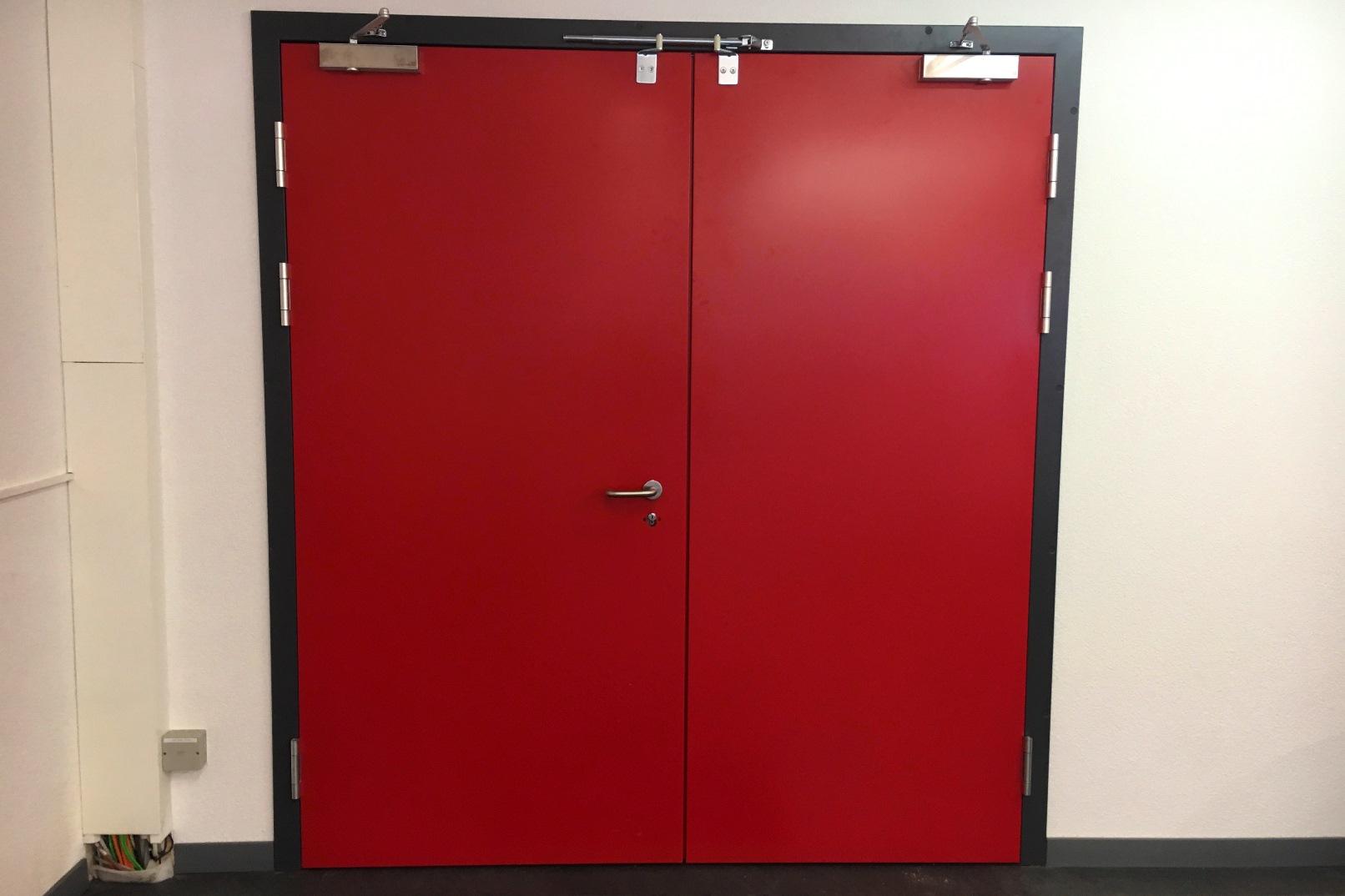 Brandschutztüren und –tore sind zum Schutz von Personen und Sachwerten unverzichtbar. Überzeugen Sie sich von unseren Möglichkeiten.