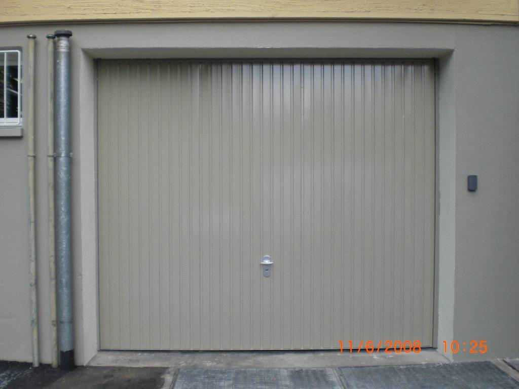 kipptor ohne anschlagschiene mit automatischem garagentorantrieb tbs 600 k in 5200 brugg aargau. Black Bedroom Furniture Sets. Home Design Ideas