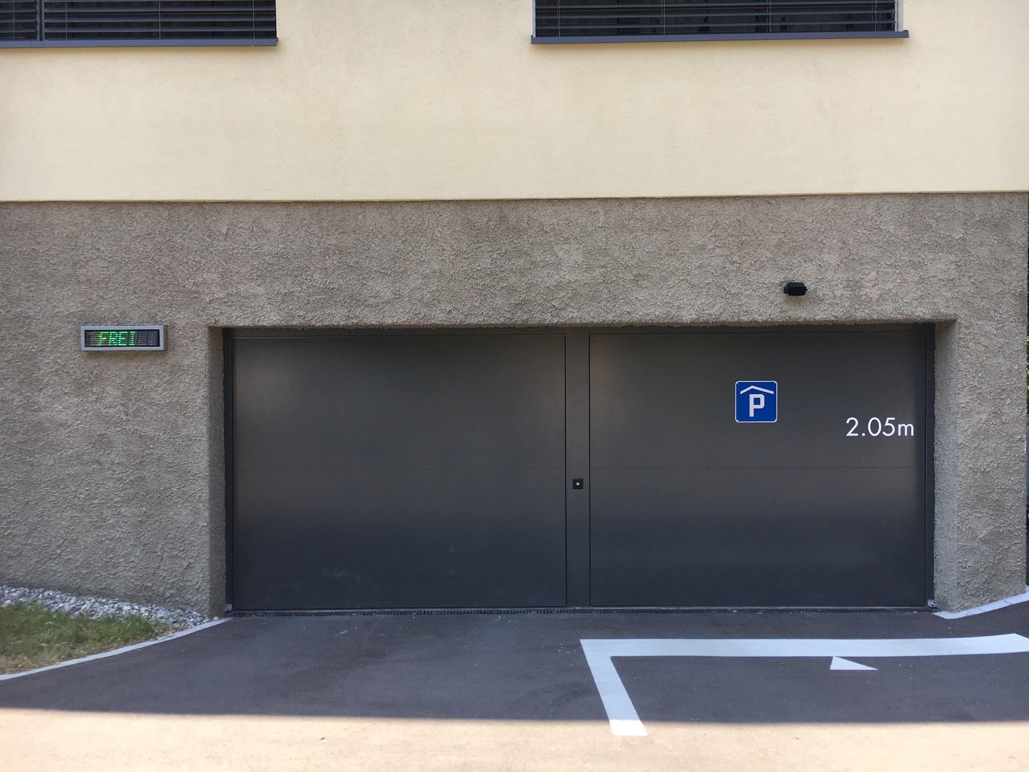 AquaLock Tore als Einstellhallentore.