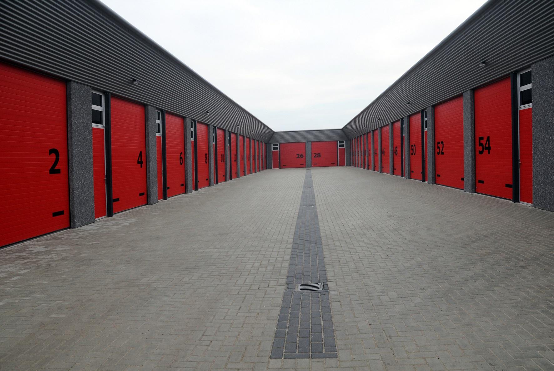 Sektionaltore von Torbau Sissach für den Industriebereich
